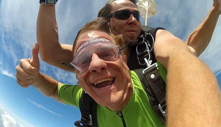Skydive Detroit - 10,000ft Jump Weekends Man