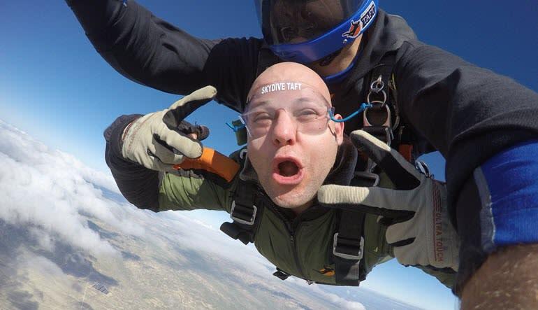 Skydive Taft - 10,000ft Tandem Jump Peace
