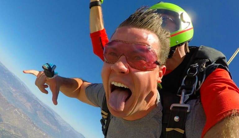 Skydive Los Angeles, Weekday Silly Face