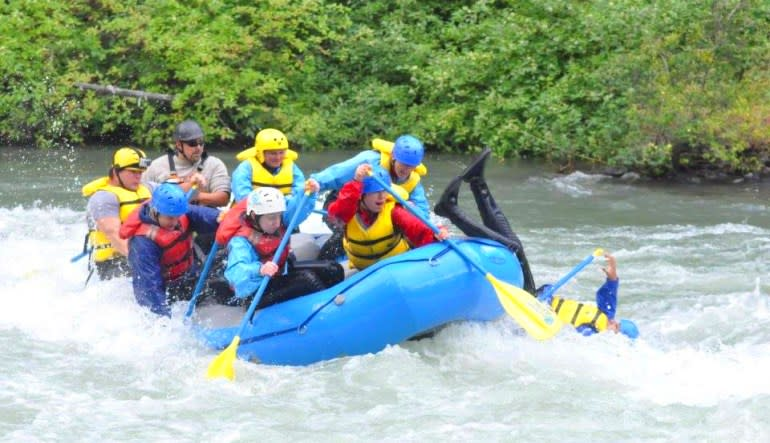 Whitewater Rafting Seattle, Tieton River Team Effort