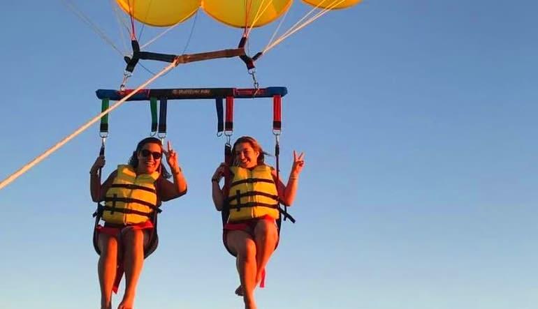 Parasailing Miami - 12 Minute Flight Friends