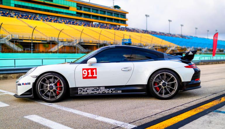 Porsche 911 GT Drive Side View