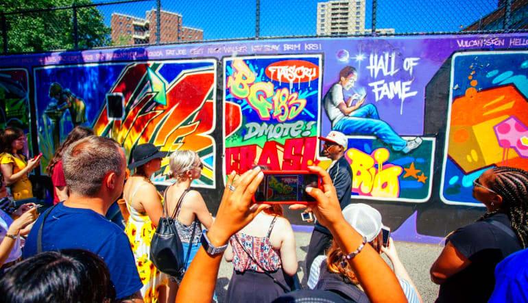 Bus Tour New York City, Harlem, Bronx, and Hip Hop History Art