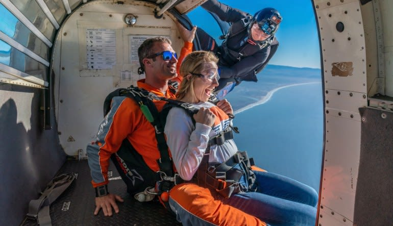 Weekend Skydive San Francisco, Santa Cruz - 18,000ft Jump with Video (Ocean View Jumps Closest to San Francisco!)