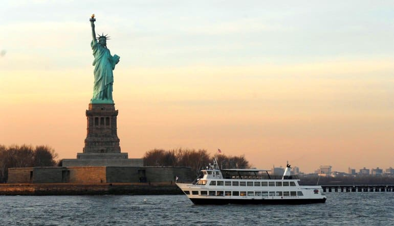 New York City Walk-On Walk-Off History Tour and Statue Cruise Liberty