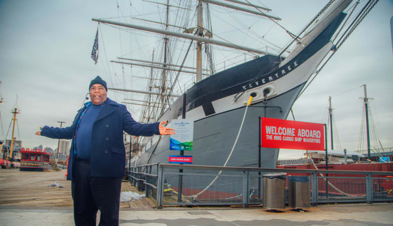 New York City Walk-On Walk-Off History Tour Docks