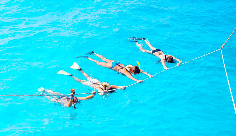 Island Hopper Excursion with Snorkel Friends