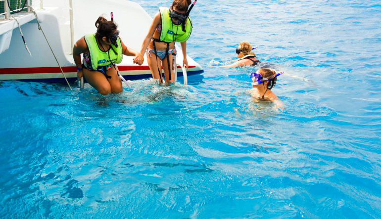 Island Hopper Excursion with Snorkel Get In