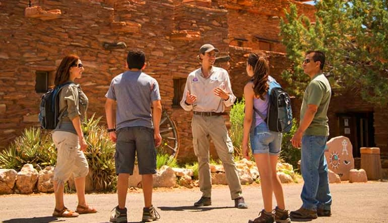 Luxury Coach Tour Sedona to the Grand Canyon Premier - 10 Hours