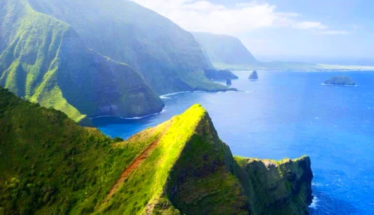 Helicopter Tour Maui, Molokai Deluxe Beauty