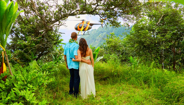Helicopter Tour Oahu - Doors Off Magnum Experience Couple