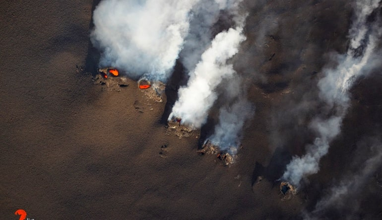 Helicopter Tour Big Island, Volcano by Air and Land Smoke