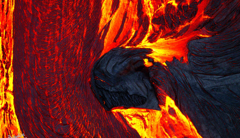 Helicopter Tour Big Island, Volcano by Air and Land Lava