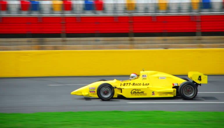 INDY-STYLE CAR Drive Yellow Car Zoom