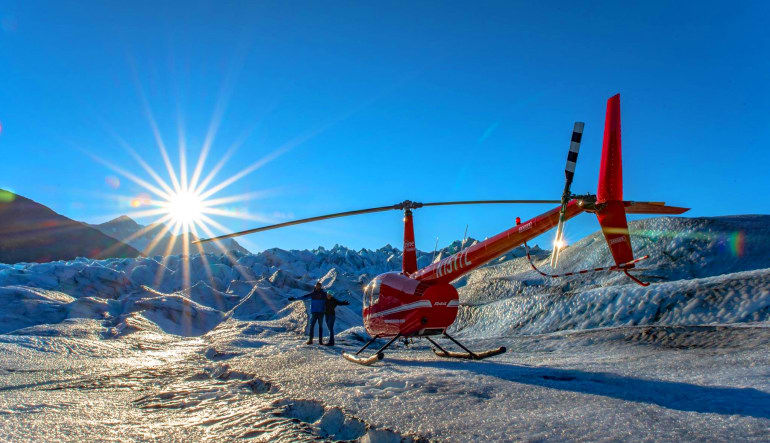 Dog Sled Ride Alaska with Helicopter Flight, Anchorage Sunshine