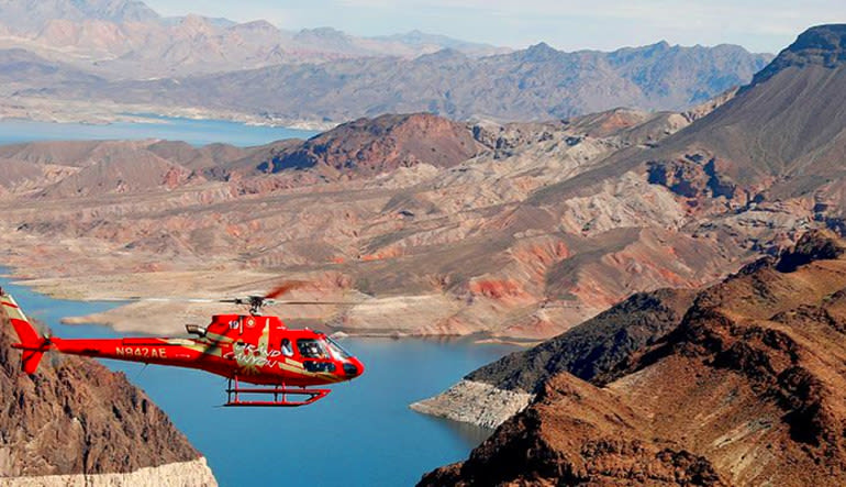 Deluxe Coach, Helicopter and VIP Ground Tour Hoover Dam Aircraft
