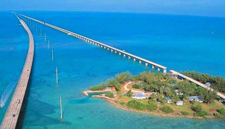 Motor Coach Shuttle, Miami to Key West Express (Round Trip!)