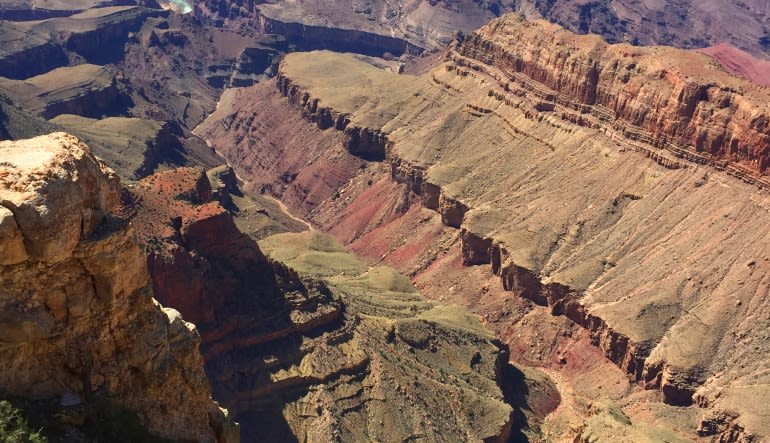 Grand Canyon South Rim Coach Bus and Helicopter Tour from Phoenix Canyon