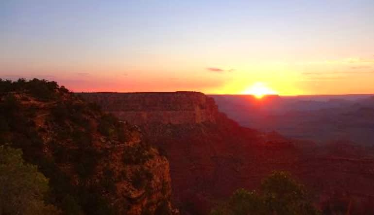 Grand Canyon Sunset Bus and Sightseeing Tour, Sedona and Flagstaff Setting