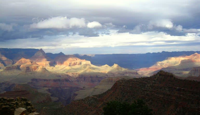 Grand Canyon Sunset Bus and Sightseeing Tour, Sedona and Flagstaff Landscape