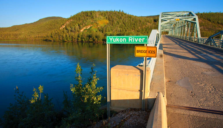 Yukon Hummer Tour Klondike - 5 Hours Dock