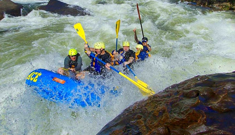 Whitewater Rafting Gauley River, Regular Rate - Full Day Rocks