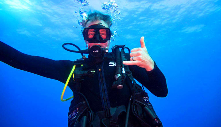 Scuba Diving Oahu - 3.5 Hours (Wreck and Reef Dive!) Man