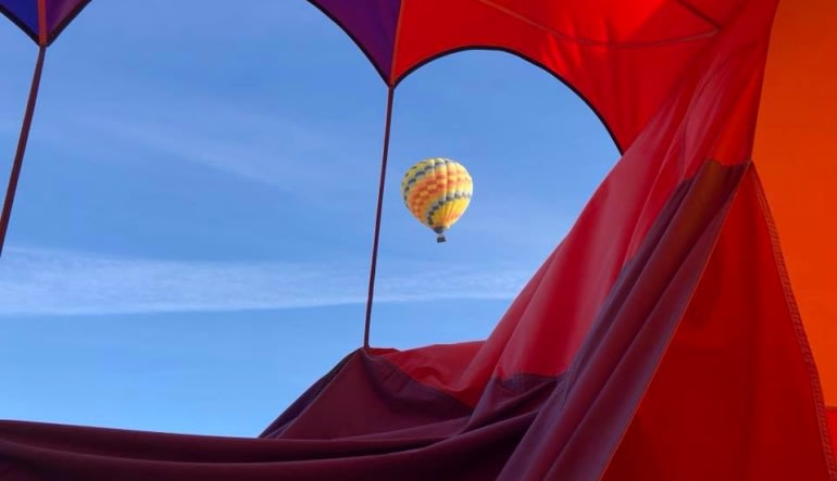 Hot Air Balloon Ride Scottsdale - 1 Hour Flight Looking Out