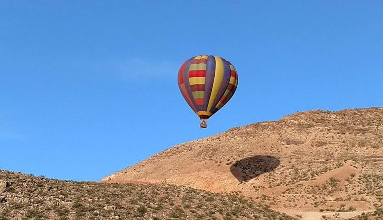Hot Air Balloon Ride Las Vegas, High Altitude - 1 Hour Flight  Hills