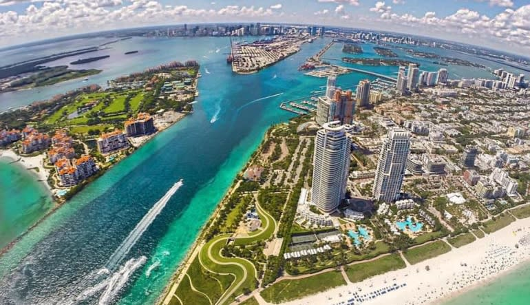 Helicopter Tour Miami, Private Ride - 40 Minutes Blue Water