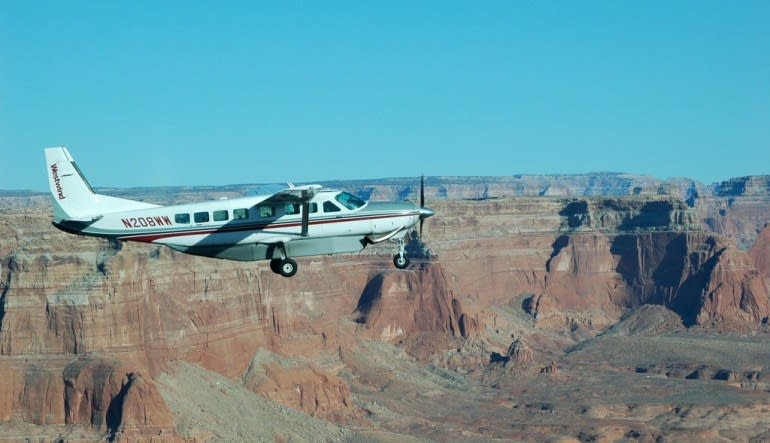 Scenic Flight Antelope Canyon Tour from Phoenix - 8 Hours Aircraft