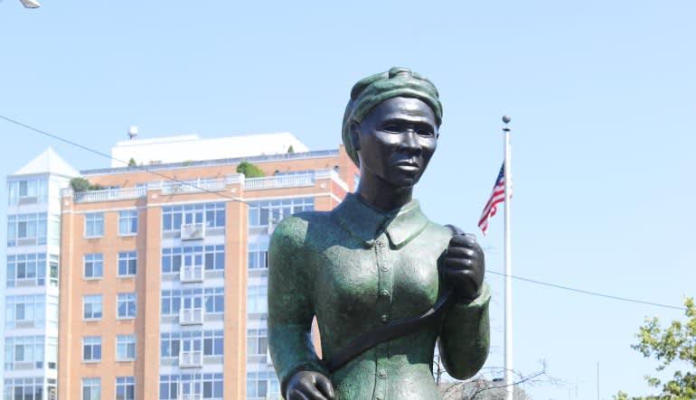 Harlem Highlights Bike Tour - 2 Hours Statue