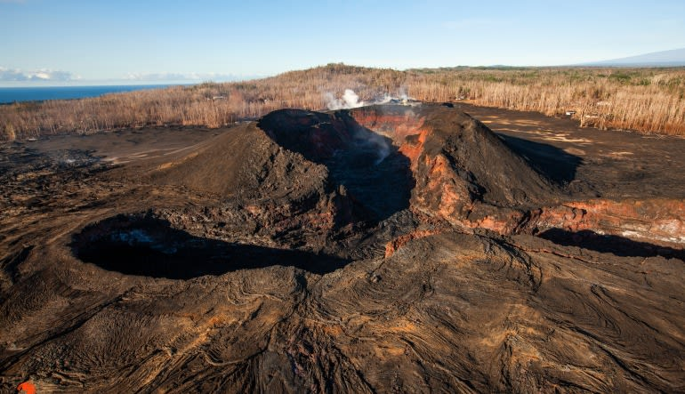 Helicopter Tour Big Island, Circle Island Experience - 2.5 Hours Volcano