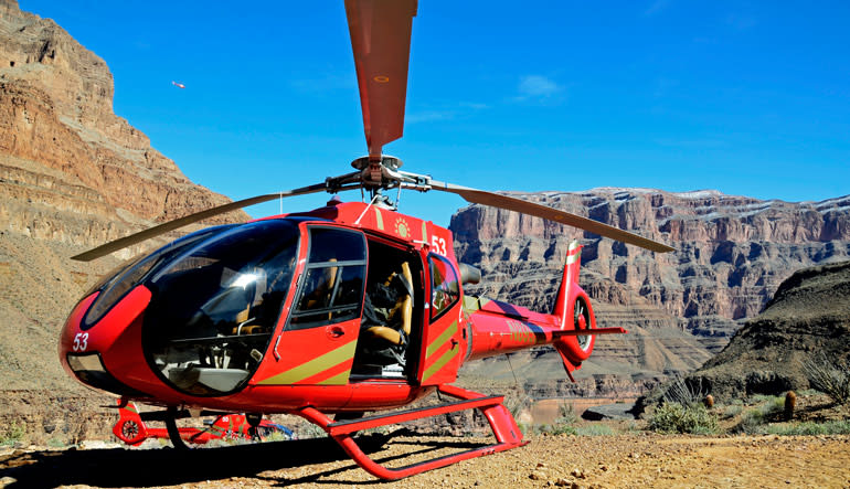 Grand Canyon Helicopter Tour with Canyon Floor Champagne Landing