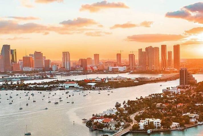 Miami Sunset Private Plane Tour - 60 Mins