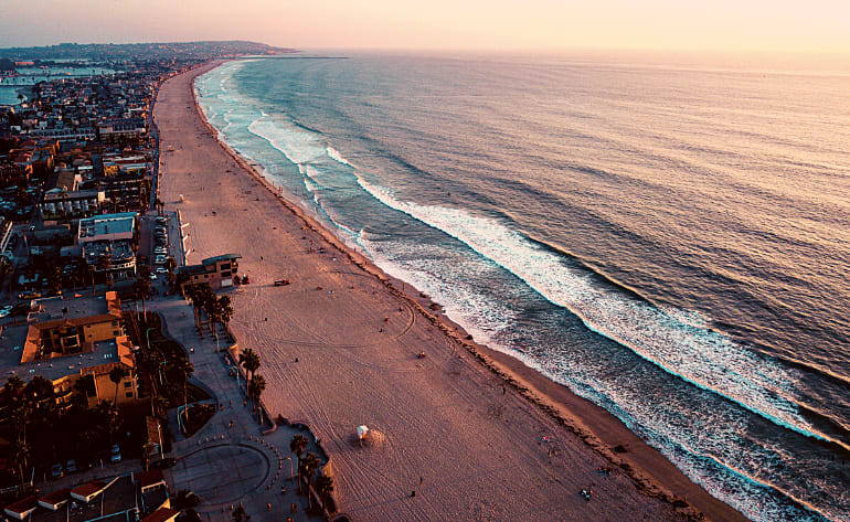 Private Helicopter Tour Oceanside - 30 Minutes (3rd Passenger Rides for Free!)