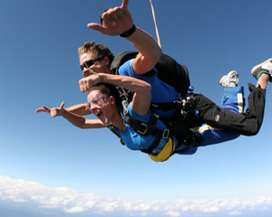 Skydiving Great Ocean Road (Barwon Heads) - Tandem Skydive Up To 15,000ft WEEKEND SPECIAL