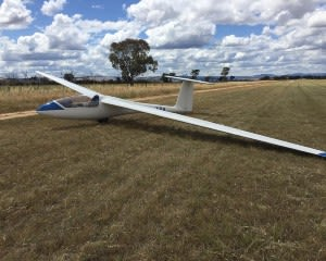 gliding introductory glider flight melbourne adrenaline