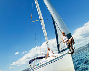 Sailing, Lunch or Dinner Cruise For 2 - Gold Coast