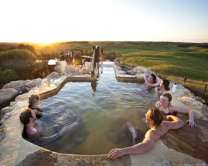1-Day Peninsula Hot Springs Tour - Departs Melbourne