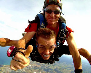 Skydiving Great Ocean Road (Torquay) - Tandem Skydive up to 14,000ft WEEKDAY SPECIAL OFFER