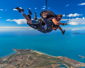 Skydiving Airlie Beach - Tandem Skydive 10,000ft