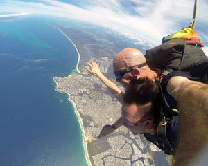 Skydiving Sunshine Coast Caloundra - Tandem Skydive 14,000ft WEEKDAY SPECIAL