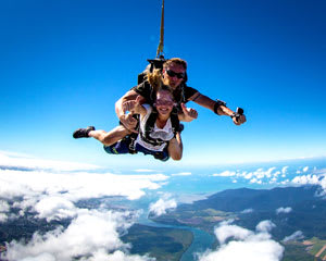 Skydiving Cairns City - Tandem Skydive Up To 7,000ft