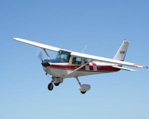 Hands-On Trial Flight With Aerobatics, 45 Minutes - Perth