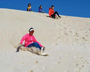 4WD and Sandboarding Adventure, 45 Minutes - Lancelin Dunes, Perth