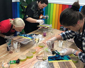 Resin Art and Sip Workshop, 2.5 Hours – Gold Coast