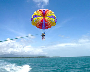 Solo Parasailing - Trinity Inlet, Cairns