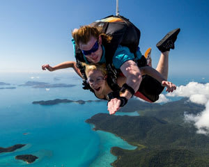 MIDWEEK SPECIAL Skydiving Over Airlie Beach Whitsundays - Tandem Skydive up to 15,000ft