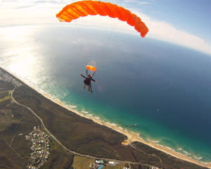 MIDWEEK SPECIAL Skydiving Over The Beach Noosa - Tandem Skydive Up To 15,000ft